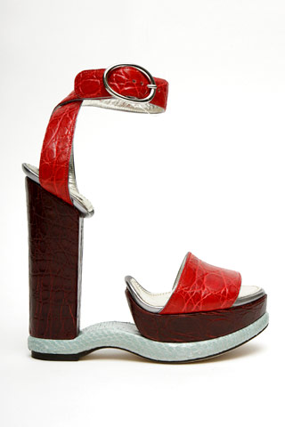 dolce-gabbana-sandals.jpg (JPEG Image, 320x480 pixels) :  platform heels sandals shoes