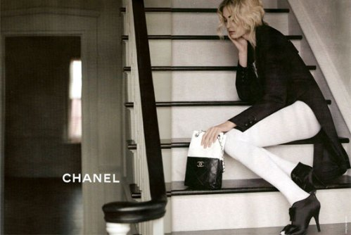 20081230_chanelad2_560x375